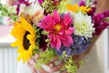 Mixed colour pallet / Mix it up for creative and colourful wedding flower choice. Anything goes so long as it abundant and bold.