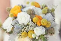 Darling yellow highlights / Contemporary and clever uses of yellow for a wedding flower scheme.