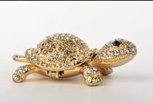 Turtles Trinket Box / Turtles Animal Trinket Box by Keren Kopal  http://kerenkopal.com/product-category/turtles/
