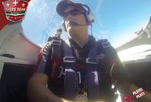 Ken Fowler / El suma alrededor de 5 mil horas de experiencia volando como Piloto Comercial y como Ingeniero de vuelo, su avión insignia es un  Harmon Rocket 2  Ken fue piloto militar pero se retira de la milicia el 15 de Mayo de 1998 acumulando 20 años de servicio,  actualmente es el supervisor general del aeropuerto de Rocky Mountain House, en Alberta Canadá.  Ken formo parte del equipo Snowbirds (Fuerza Aérea Canadiense).