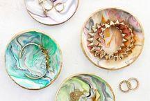 Plates & jewelry organizers