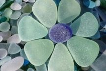 Seaglass / eyecatching seaglass found on the shore and then loving crafted into something even more beautiful ...