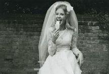 VINTAGE BEAUTS / Beautiful Vintage Brides