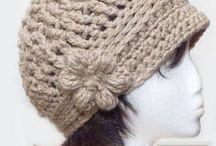 Beanies, hats & gloves / Knitting/Crochet