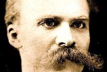 Friedrich Wilhelm Nietzsche / Friedrich Wilhelm Nietzsche (*15. Oktober 1844 in Röcken; † 25. August 1900 in Weimar) war ein deutscher klassischer Philologe, dessen Hauptwerk jedoch aus Schriften besteht, die ihn – allerdings erst postum – als Philosophen weltberühmt machten. Als Nebenwerke schuf er Dichtungen und musikalische Kompositionen.