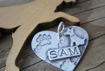 Personalised and fingerprint jewellery / Fingerprinting has now expanded into hand, foot/paw, pictures and pet's noses. Here are some great designs to inspire. Learn and perfect your technique with training and supplies from The PMC Studio.