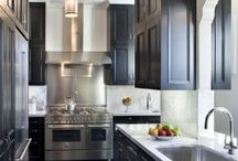 Decor: Kitchens / by Heather Glaeser