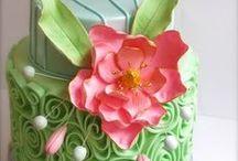 me gustan tortas y otras delicias / by Silvia Calderon