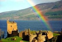Scozia / Terra magica e dal fascino irresistibile per i suoi paesaggi verdi e selvaggi, gli antichi castelli fiabeschi, le isole incontaminate, i laghi profondi e misteriosi, gli scenari e i panorami mozzafiato. Scopritela con un itinerario d'autore su www.qualitygroup.it