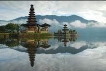 Indonesia / Arcipelago di oltre 17.000 isole che evoca nella mente del viaggiatore verdissimi terrazzamenti, foreste tropicali, montagne scoscese, magnifiche spiagge e magici templi.