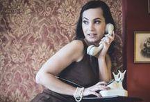"""Session 'La femme rétro' / Ein Retro-Shooting in inspirierender Umgebung mit der wunderschönen und ausdrucksstarken Maryana.  Von Motiven angelehnt wie an """"Das Fenster zum Hof"""" von Alfred Hitchcock oder """"Fifty Shades of Grey"""" von E. L. James war alles möglich."""