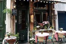 Kavárny a kavárničky