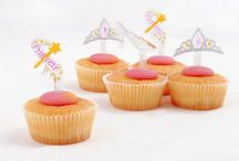 Princess / Princess, pink, crowns, tiaras, tutus, wands, glitter, sparkle, children's party, fancy dress, party supplies, party food, party ideas, decorations, balloons, baking, cake decorations, diy, celebration