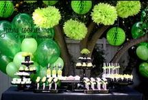 Green Honeycombs / Honeycomb decorations and party supplies in all the shades of green - apple green, lime, dark green, light green.