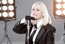 Raffaella Carrà / Made In etaly distribuisce online il nuovo singolo di Raffaella Carrà, Replay, che anticipa il nuovo album in uscita ad autunno 2013.