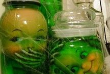 Halloween - Jars/Bottles / by Beren Dutra