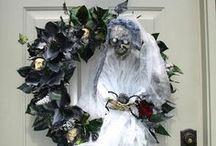 Halloween - Wreaths / by Beren Dutra