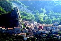 Roccalbegna ( 17 km ) / Qui nasce il Fiume Albegna