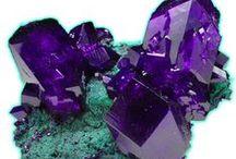 Minerals & Stones / by Varney Vagnaröck