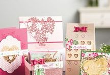 SU Bloomin' Love / 16 photopolymer stamps, coordinates with Bloomin' Heart Dies and Large Numbers Framelits Dies, 140643