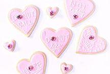 Valentine's Day Desserts / The best valentines dessert recipes! Easy recipes, valentines ideas for him, for her, valentines party, valentines cakes, valentines cookies, desserts, galentines day, party food, DIY and more!