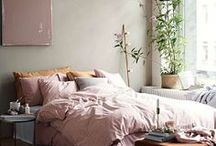 Interiors Inspo / A collection of cozy shots-- bedrooms, living rooms, kitchens, and really any sort of pretty interiors.