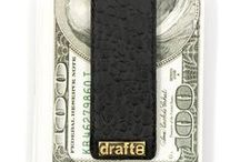 z money clip croc / Strong, magnetic leather money clip with front flap for quick opening.Compact, leather money clip made with a strong magnet to keep your cash safe.  This leather money clip is very useful on a daily basis as it can hold up to a maximum of 15 banknotes.  Handmade with passion and very durable, each accessory we sell is totally unique.