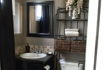 Small Bathrooms / by Ashley Marie Lowe