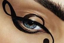 Artistic Make Up / 2 words: Extravagant - Creative