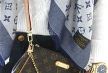 Mimi y sus accesorios.