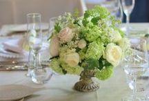 卓上装花 table arrangement for guests / ホテルなどの大きなテーブルフラワーから、レストランやカフェウェディングの手のひらサイズの装花まで 和婚やシェアできるものなど いろいろな卓上装花のご紹介です