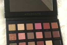 Eyeshadow palettes / Eyeshadow palettes
