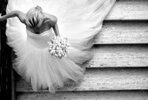 Boutique Bridal Wedding Photo Ideas / Beautiful wedding photo ideas. Some are classic must have's while others are quirky and fun! #weddingphotos #weddingphotoideas #stunningweddingphotos. #beautifulweddingphotos
