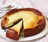 Köstliche Kuchen / Ob mit Früchten, Schokolade, Nüssen oder Gewürzen, gefüllt, mit Streuseln oder Sahne - zu einem Stück Kuchen lassen wir uns gern verführen!