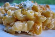 Pasta Recipes / by Laura Hermansen