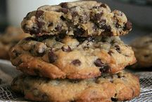 Cookies and bars / Delicious, decadent, cookies and bars.