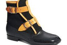 Chaussures / Shoes / Marcher, courir, trottiner...nos pieds nous permettent de tout faire, à condition d'être bien chaussé