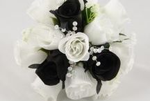 Black Wedding Theme / Black colour themed wedding flowers by Petals Polly. www.petalspollyflowers.co.uk