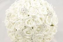 White Wedding Theme / White colour themed wedding flowers by Petals Polly. www.petalspollyflowers.co.uk