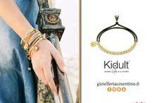 KIDULT / Kidult è un progetto-brand prodotto e distribuito da Mabina Srl, azienda milanese fondata nel 1999 che con passione, ricerca e creatività da vita a gioielli unici e sempre attuali.