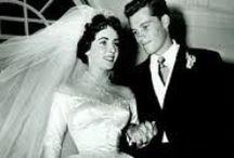 Berühmte Brautkleider / Manche Kleider bleiben für immer im Gedaechtnis... Und dienen zahllosen Bräuten als Inspirtaion für ihr eigenes Kleid.