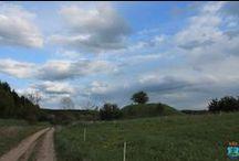 """Grodziska i kopce strażnicze / Grodziska to trwały element mazurskiego krajobrazu. Najpiękniejsze, a zarazem najbardziej charakterystyczne grodzisko usytuowane jest w pobliżu wsi Jeziorko. Użytkowano je w epoce żelaza (ok. II poł. I tysiąclecia p.n.e.), oraz w czasach wczesnego średniowiecza. Z wierzchołka roztacza się piękny widok na okolicę. W pobliżu, na zachód od wsi znajduje się """"Wieżowa Góra"""" - najwyższe wzniesienie w okolicy (188m.)."""