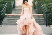 Wedding Dresses / I like Wedding Dresses / by Laura M