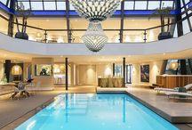 Showroom Valkenswaard / We willen u graag laten zien hoe een Starline zwembad eruit kan zien in úw tuin of binnenruimte. Onze showroom in Valkenswaard, Noord-Brabant is een bron van inspiratie voor iedereen die zich oriënteert op de aanleg van een privé-zwembad of spa.  Kom vrijblijvend langs in onze showroom. Onze specialisten leiden u graag rond en kunnen u voorzien van vrijblijvende informatie en advies.
