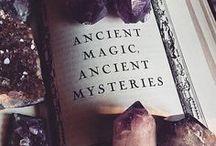 Kostüm - Hexen - Inspiration / Einer der klassischsten fantastischen Charaktere wie ich finde und so unglaublich vielseitig! Hier bekommt ihr einen Eindruck, wie ich eine Hexe umsetzen würde und vielleicht sogar werde.
