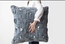 HUHU cushion / Designed by COOL ENOUGH STUDIO