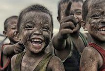 Sorria ;) / Os sorrisos têm o mesmo efeito sobre a humanidade como o sol sobre as flores.