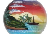 Hawaiian Valentine / Hand painted ornaments featuring romantic Hawaiian sunsets and scenes.  A great gift for your loved ones this coming Valentine's day.