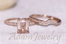 Rose gold / Rose gold wedding theme  / by Stephanie Andrews