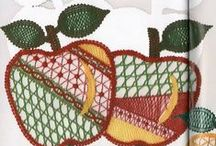 Arvores/ Frutos - Trees / Fruits / Renda de bilros - Esquemas e desenhos de arvores e plantas     Bobbin lace - Patterns of trees and plants